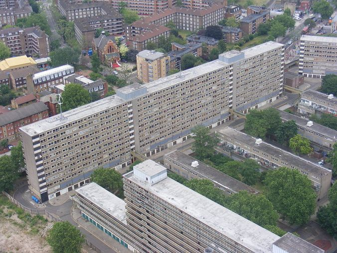 800px-heygate_estate_from_strata_se1_tower