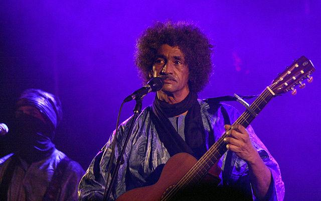 Ibrahim Ag Alhabib performing with Tinariwen in Vienna during 2011